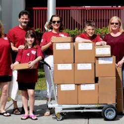 Volunteers deliver hearts of hope to MSD. Courtesy of Mike Pitkow