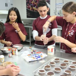 """Culinary 1 students compete in their own version of """"Cupcake Wars"""""""