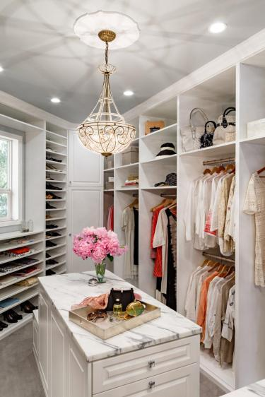 HGTV Luxury Closet List