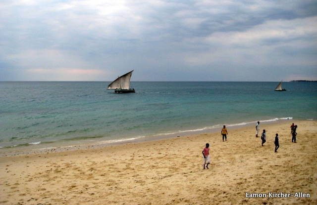 I promise to limit the number of dhows I show pictures of on this blog. Couldn't resist here, though.