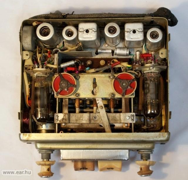 Hat elektroncső és teljesen mechanikus állomásmemória