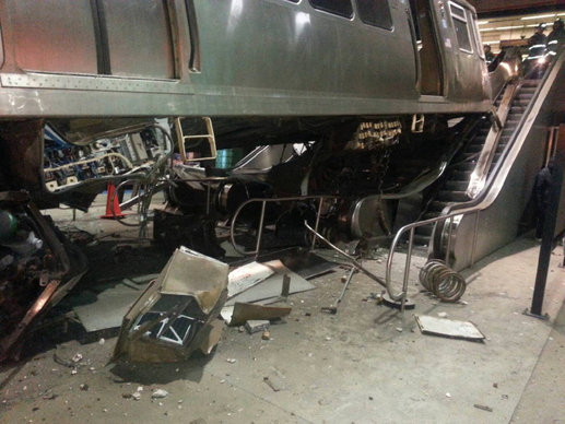 chi-blue-line-train-crash-ohare-photos-2014032-009