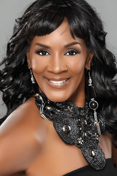‎Momma Dee From Love & Hip Hop Teeth Fell Out During Her Live Performance [VIDEO]