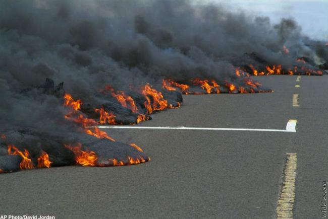 Hot Lava Flows Inches Closer To Homes In Hawaiian Community