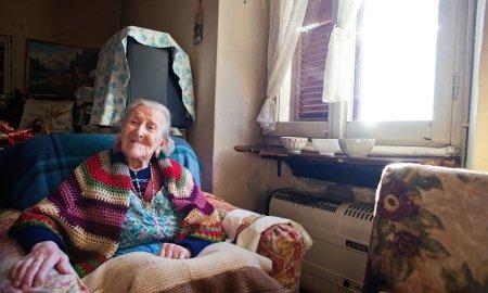 115 yr old woman