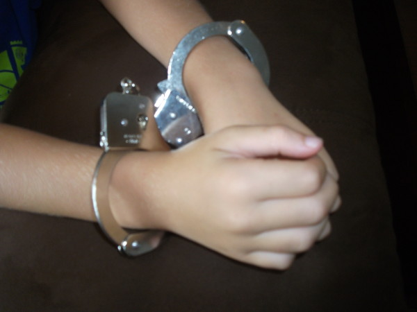 handcuff kid2
