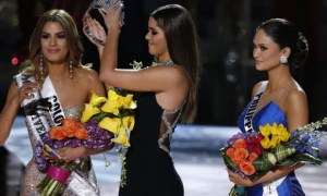 Steve Harvey Accidentally Crowned Ms. Colombia Instead Of Ms. Philippines As Ms. Universe