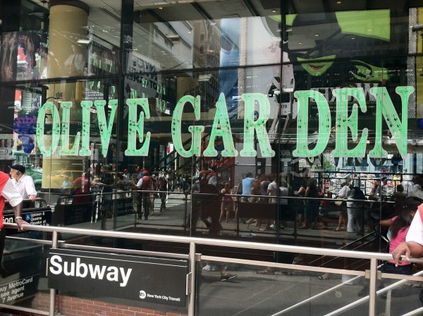 The Olive Garden Is Charging $400.00 For New Years Eve In Times Square