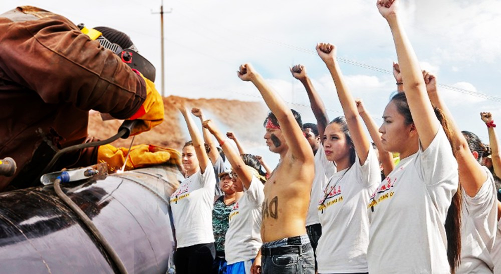 North Dakota Governor Orders Police To Cut Water Supply To Native Indians As Pipeline Protesters Crowd Grows In Numbers