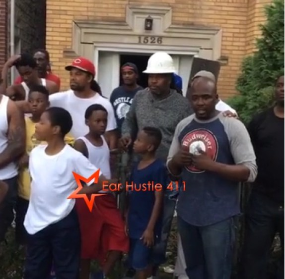 Black Men In Chicago Are Taking Over Abandoned Property & Rebuilding The Neighborhood With The Youth By Creating Their Own Jobs