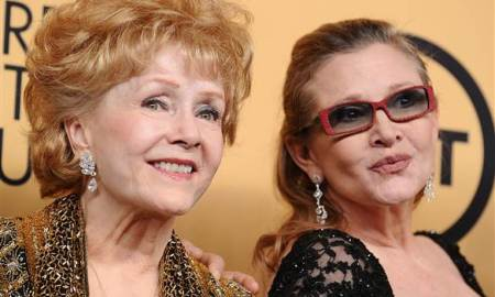 Debbie Reynolds The Mother Of Carrie Fisher Who Passed Away 1 Day Ago Has Passed Away From A Stroke