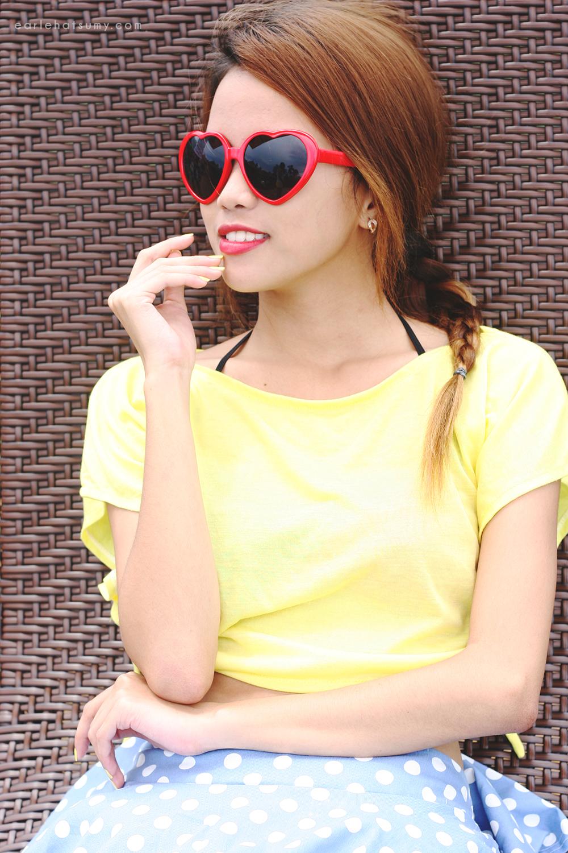 Tie a yellow ribbon on Lookbook