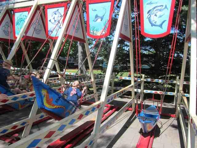 children's boat swing