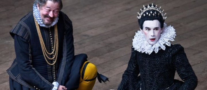 Stephen Fry as Malvolio and Mark Rylance as Olivia in Shakespeare's Globe 2012-13 production of Twelfth Night.