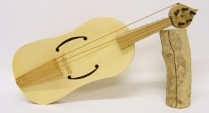 Reproduction of a 5 string medieval fiddle by Owen Morse-Brown, clearly showing the placing of the bourdon.
