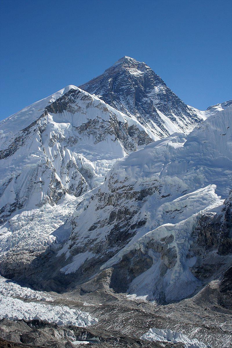 800px-Everest_kalapatthar
