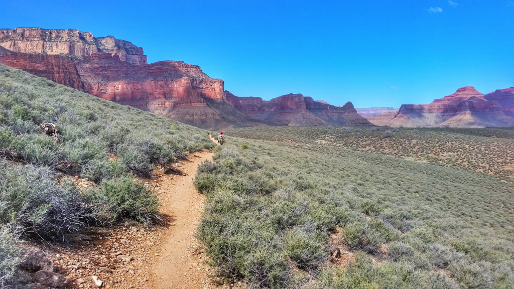 Heading East towards Indian Garden on Tonto Trail