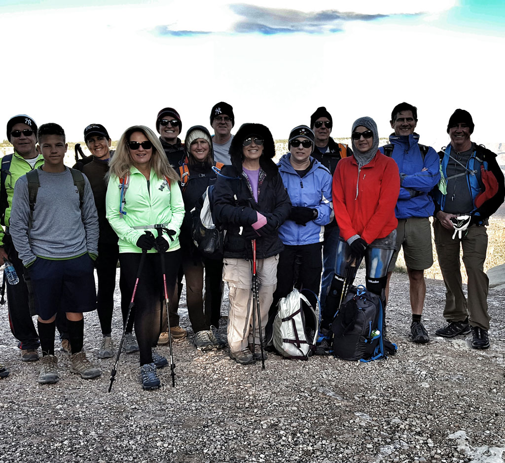Early Rise Hikers ready to descend on the South Kaibab Trail
