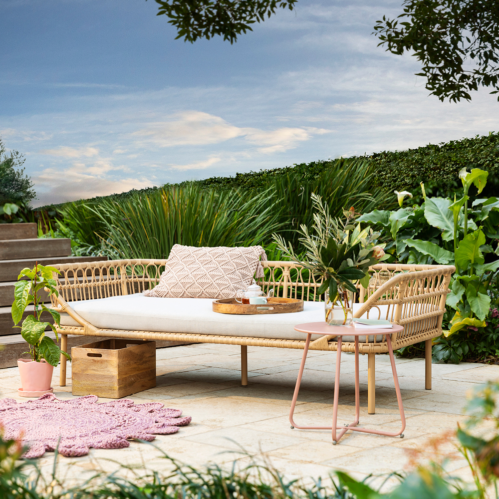 Outdoor furniture style trends for 2019