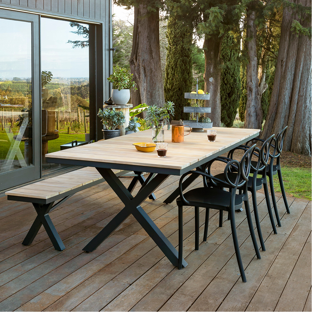 Dress up your deck with the Kennett