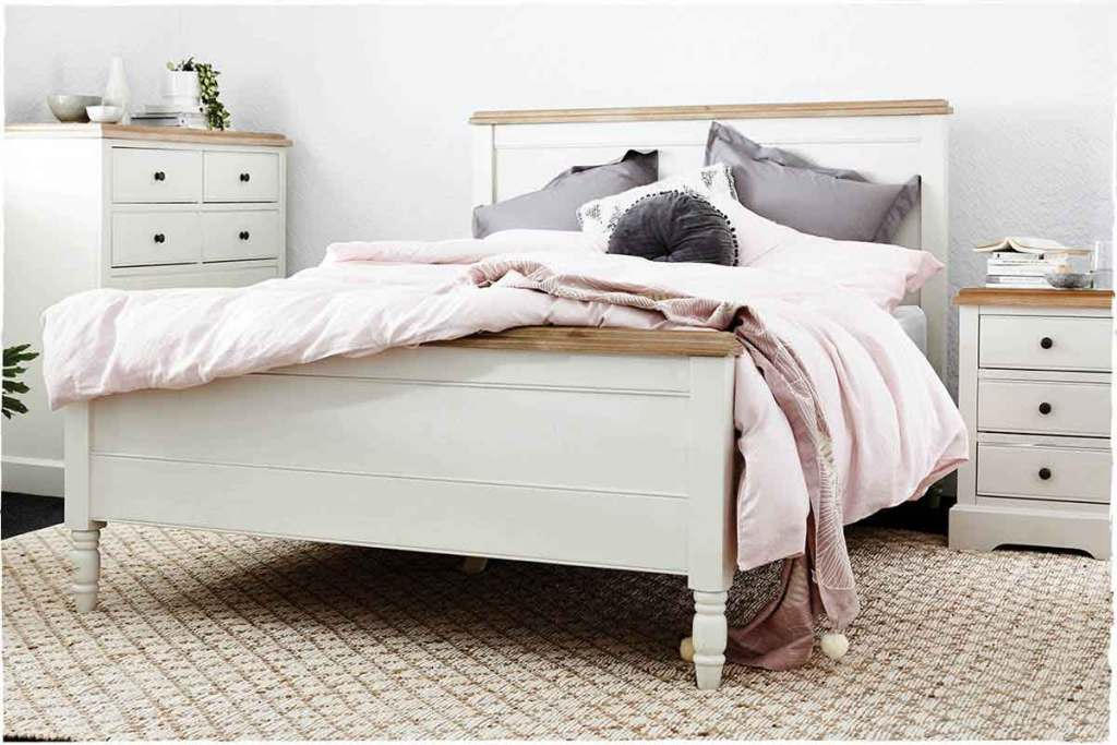 Create a Dreamy Bedroom Retreat with the clover