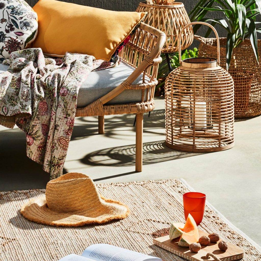 An Outdoor Zone for Every Occasion with the Byron day bed