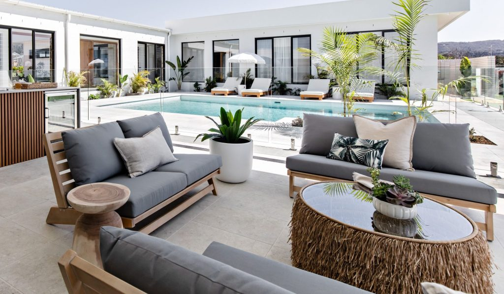 Oak & Orange: Poolside Paradise
