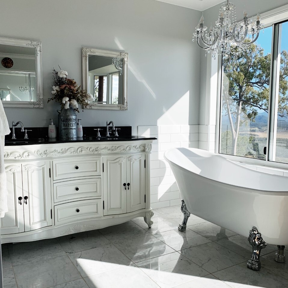 Laidback & Luxurious French Provincial Style with our.mountain.life, clawfoot tub and Rosette Vanity