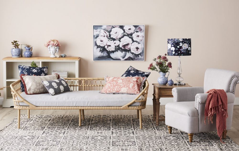 The Gorgeous Granny Chic Style - with the Byron