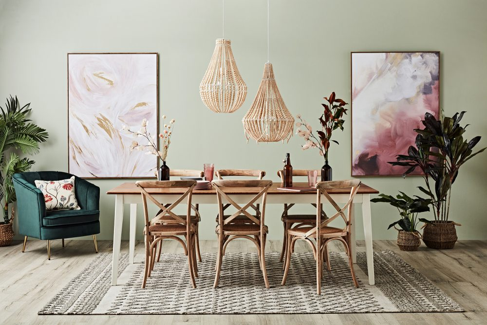 How to Create a Gallery Wall - dining room