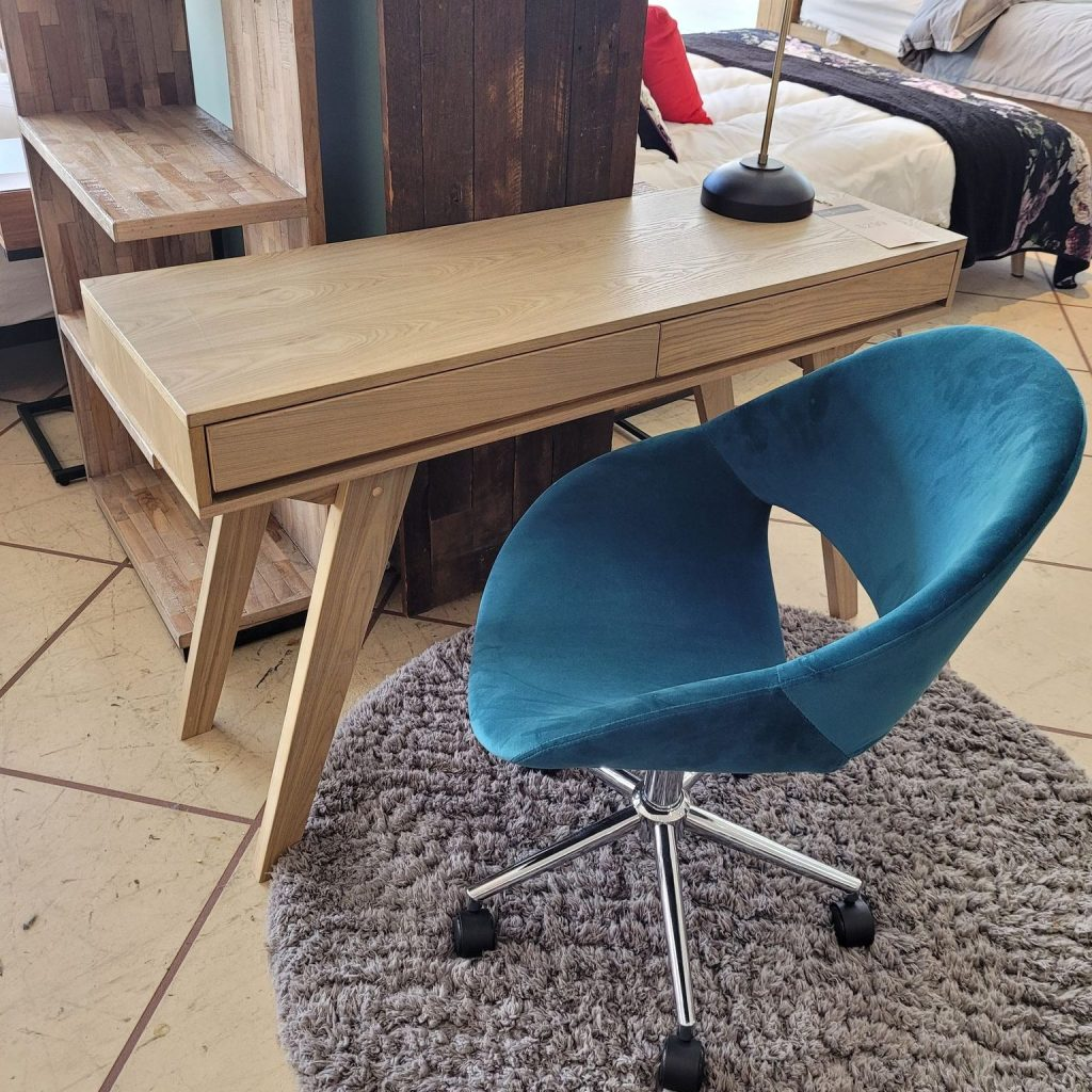 Maddi Wright's Awesome Office - Kip chair