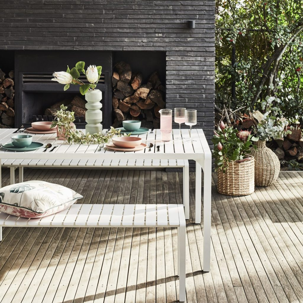 Buyer's Picks in Outdoor Furniture 2021/22 with the Kace in white