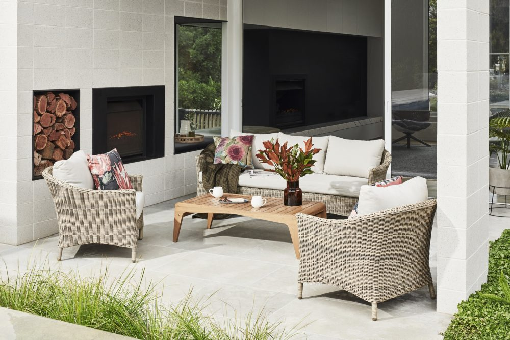 Spring Outdoor Furniture Trends with the outdoor sofa set