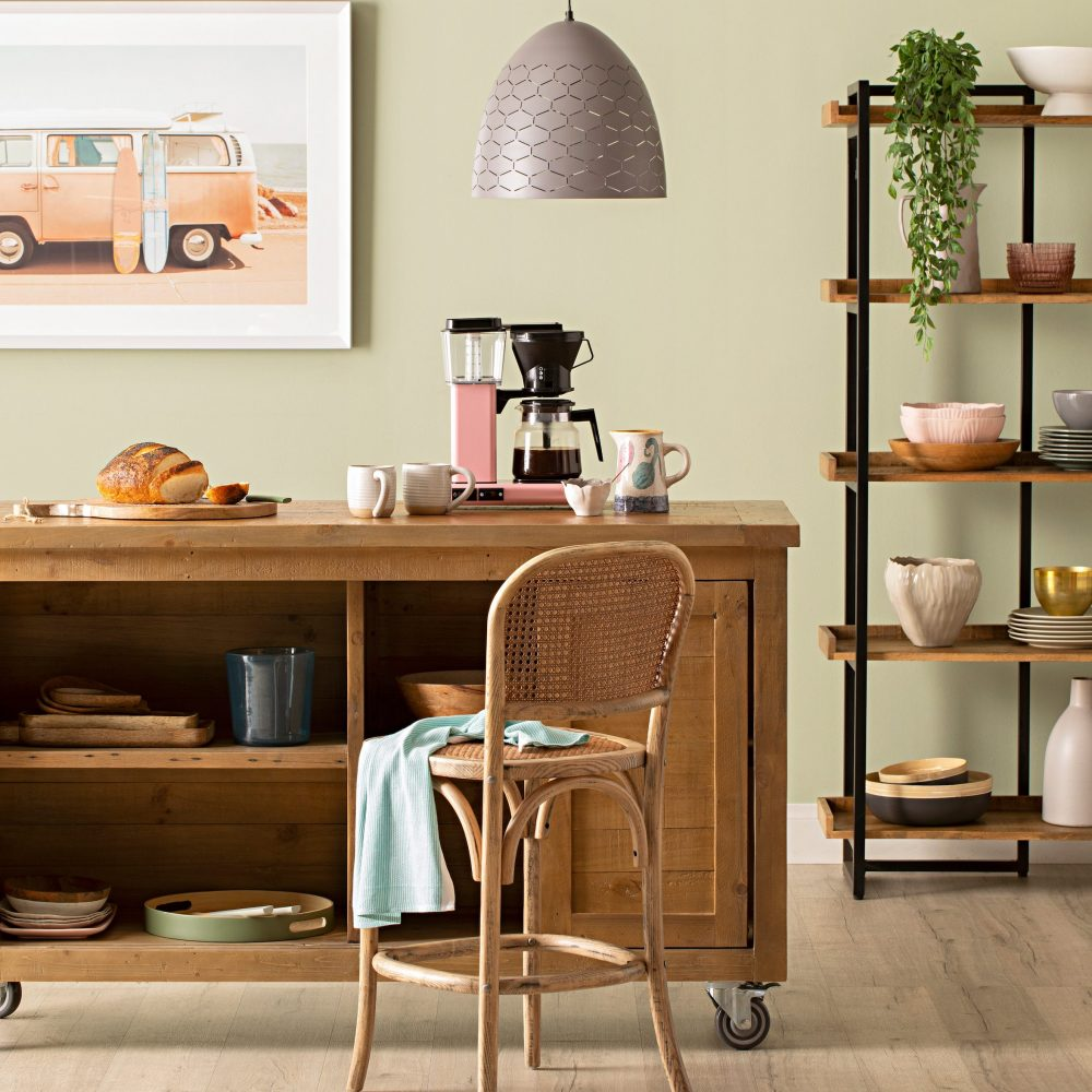 6 Savvy Storage Solutions with a kitchen island