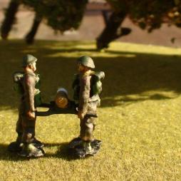 2 x Artilleryman standing holding Shell on 2 man shell