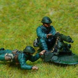3 Dutch Infantryman useing Schwarzlose heavy machine gun