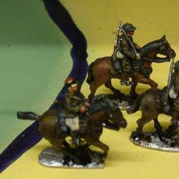 1 x Line Cavalry trooper mounted with sabre shouldered
