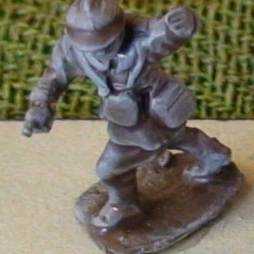 1 x Infantry Officer advancing