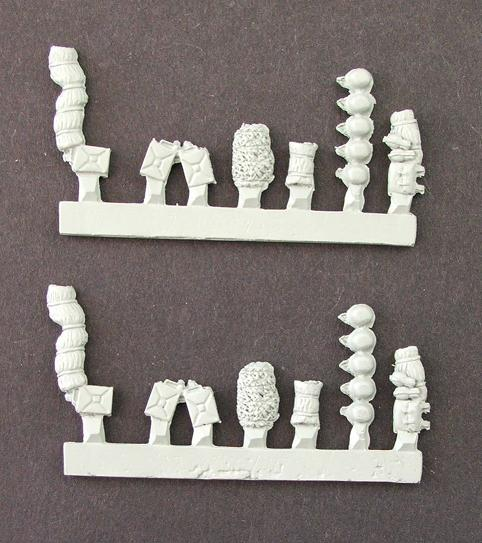 Mixed German stowage including helmets (14 parts x2 sprues)