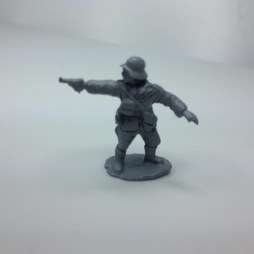 1 x Early War German Infantry officer  - Attacking with luger
