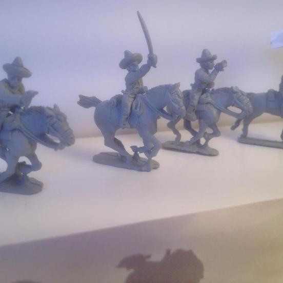 4 Mexican cavalry multi-pose figures with many options