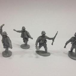 TL. 4 German Grenadier stormtroopers in various positions & kit