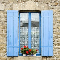 french-window-blue-shutters-7190507