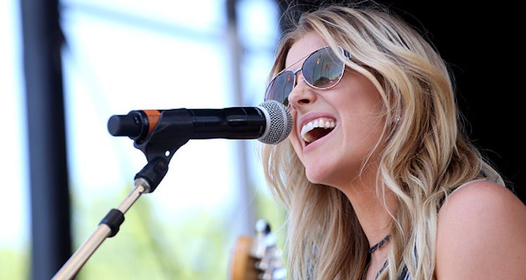 Lindsay Ell 4 Facts To Know About Bobby Bones' Girlfriend