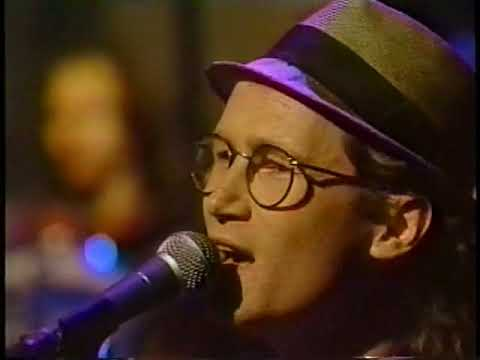 Marshall Crenshaw shows Vancouver that life's too short–and pretty precious too