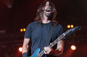 foo-fighters-firefly-billboard-2014-650x430