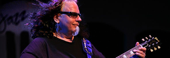 Texas blues-rock guitarist Smokin' Joe Kubek dies from a heart attack at 58