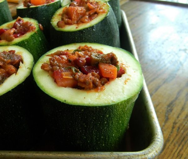 Harvest Ragoût-Filled Zucchini