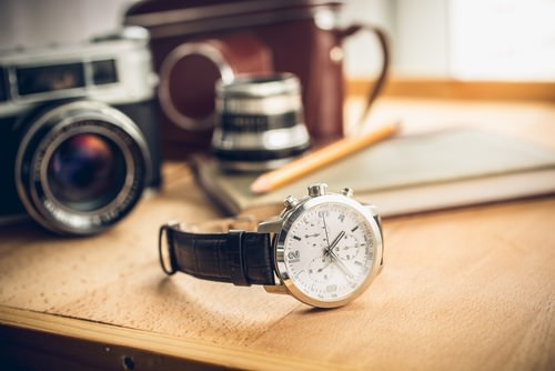Mens watch with leather band