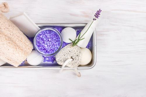 Natural bath bombs make for a great eco-friendly Mother's Day gift